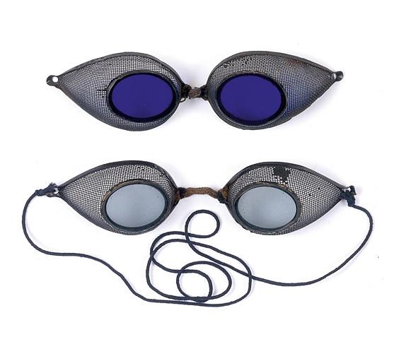 Drei frühe Eisenbahnerbrillen