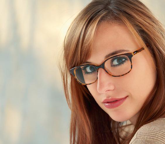 Marion Ramm Anspruchsvolle Brillenmode Optikum Fachmagazin Für