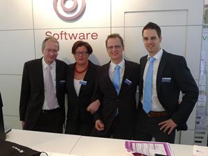 Entwicklungsleiter Thomas Bart, Marion Götz  vom Marketing, Dr. Heinrich Gentner vom  Bereich International und Projekt Manager  Stephan Mancuso