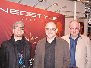 Daniel Gsottbauer vom Österreichvertrieb  Radlinger, Grafiker Karl-Heinz Schoppa mit  Neostyle Geschäftsführer Andreas Dünnbier