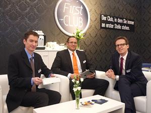 Dirk Richter (Ollendorf Mess-Systeme),  Martin Decker (HOYA) und Michael Geller (HOYA)  in der HOYA F1rst CLUB Lounge