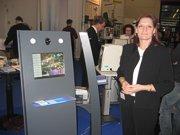 """Doris Brejcha beim Smart-Kiosk """"Marketing für Optiker wichtig"""""""