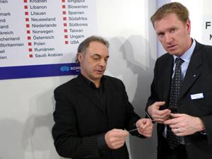 Peter Braunsdorfer und Entwickler Bernhard Markus