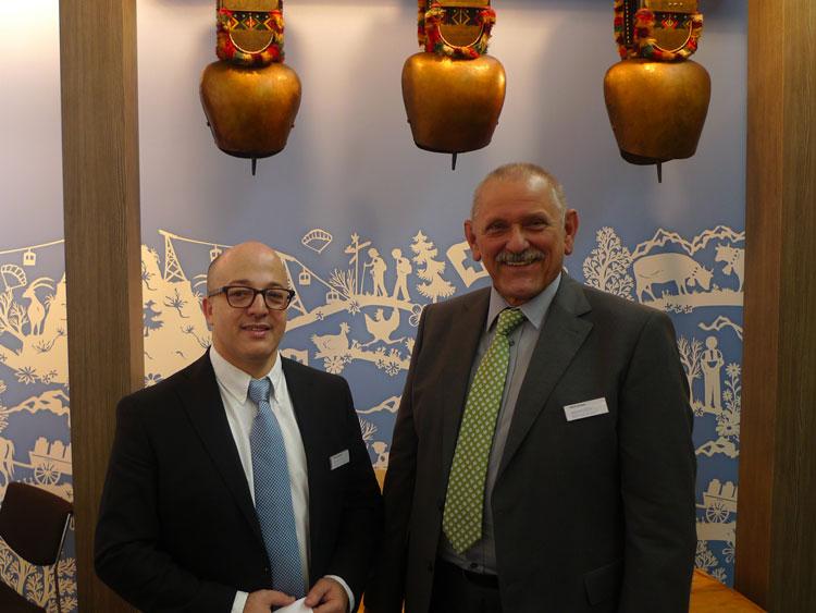 M'hamed Bouhlal (CEO) und Michael Stoiber (Außendienst Österreich) bieten individuelle, maßgefertigte Kontaktlinsen - auch im Bereich Orthokeratologie - an