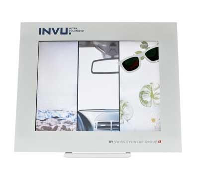 Demonstration der Vorteile polarisierender Sonnenbrillen