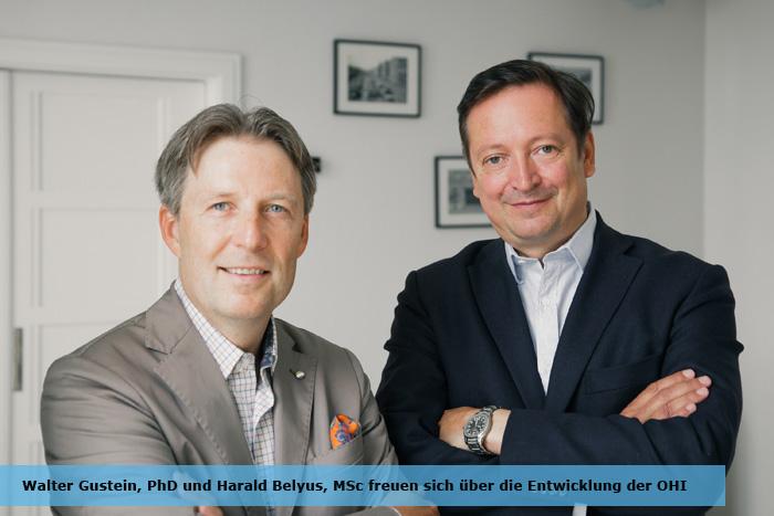 Walter Gustein, PhD und Harald Belyus, MSc freuen sich über die Entwicklung der OHI in den letzten 365 Tagen