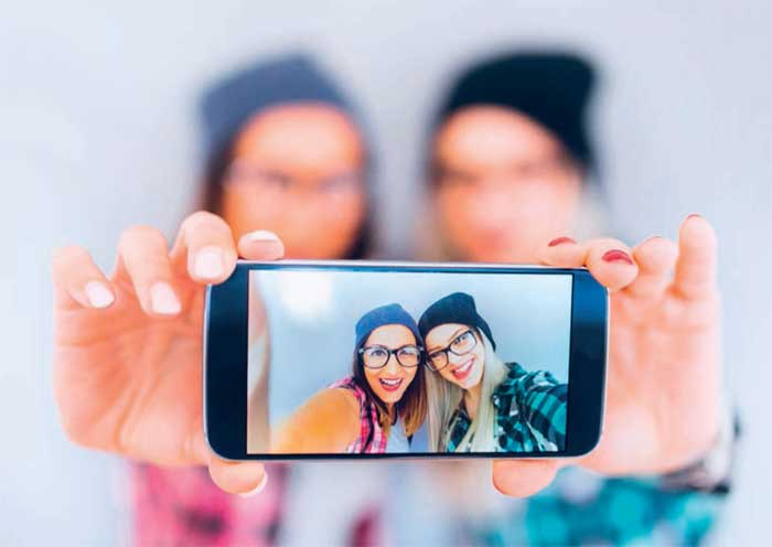 Dank der 360°-Reflexionsminderung können Brillenträger visuelle Informationen rund um die Uhr spürbar besser aufnehmen und wesentlich klarer sehen.