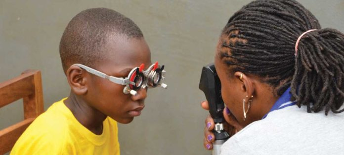 CooperVision und Optometry Giving Sight helfen in Partnerschaft