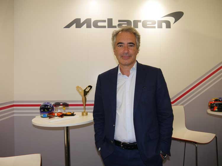 Dominique Alba erklärt die Herstellung der neuen, maßgefertigten Fassung McLaren Ultimate Vision