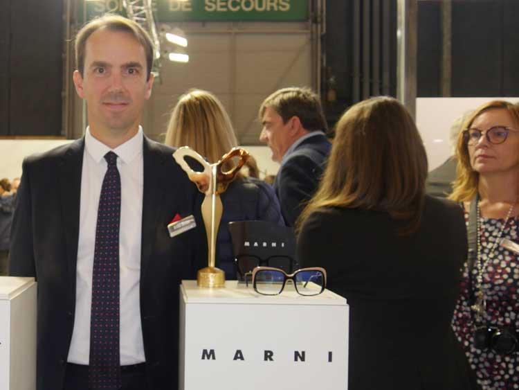 Arnaud Devilder, Directeur National des Ventes, berichtete über die aufwendige Fertigung der streng rechteckigen MARNI 2623