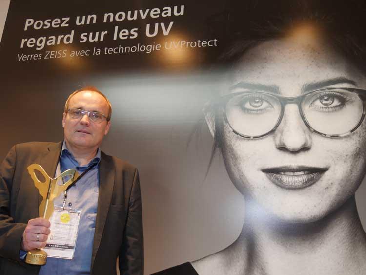 Dr. Bernhard von Blanckenhagen, Product Development ZEISS, berichtete zum UV-Schutz bei ZEISS Brillengläsern