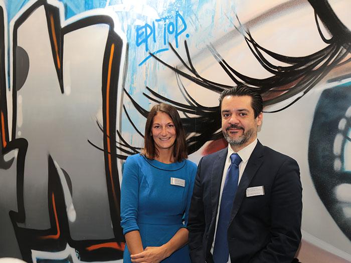 Anna Schledzinski, BA, Unternehmenskommunikation undDr. Amir Movahed Parasta, Geschäftsführer