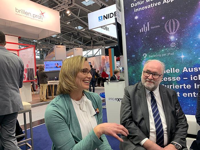 Stefanie Wöhrle (Augenoptikermeistrin und IPRO-Expertin) und Martin Himmelsbach (Geschäftsführer)
