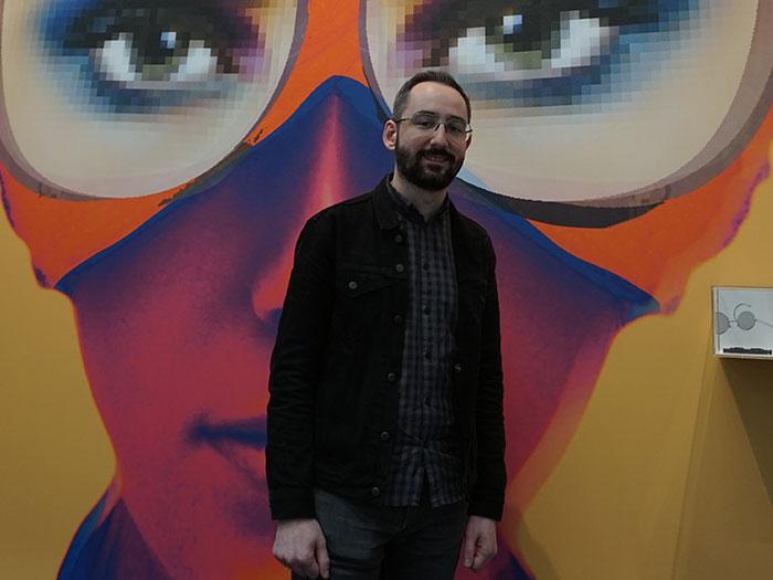 OWP Produktmanager Johannes Nagl freut sich über das große Engagement der zahlreichen Jungdesigner des OWP Design Wettbewerbs