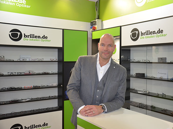 Dipl.-BetriebswirtVolker Grahl, Vorstand, erklärt das brillen.at Konzept