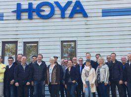 FirstOptiker bei Werksbesichtigung von Hoya in Mönchengladbach