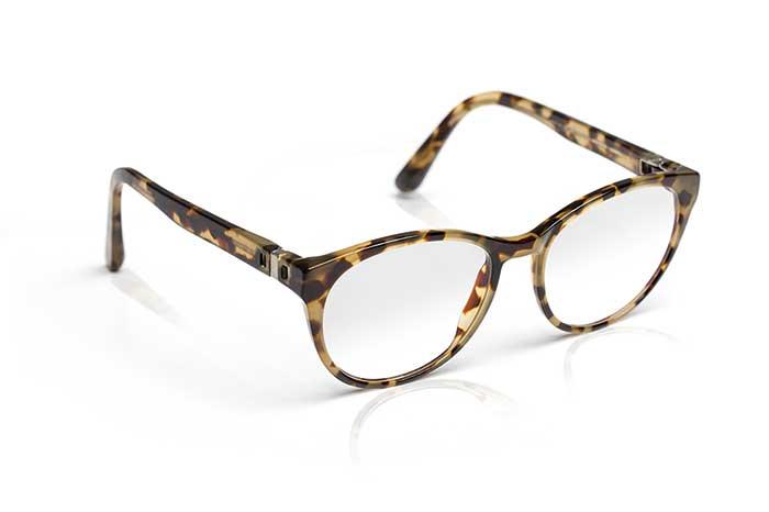 Mit vollem UV-Schutz bis zu 400 nm in allen klaren ZEISS Brillengläsern.Immer. Und überall.