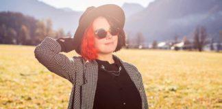 Farbenfrohe Einmaligkeit in grauen Zeiten: Diese Brille hinterlässt Eindruck