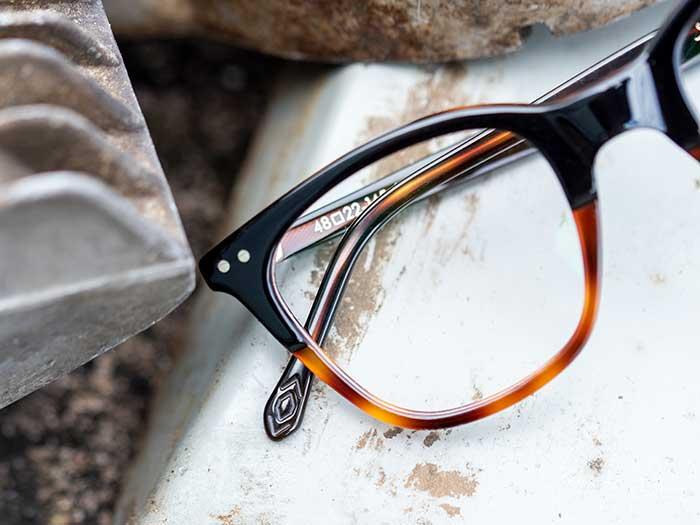 LUNOR startet das neue Jahr mit einer neuen Linie und einem innovativen Brillenscharnier.