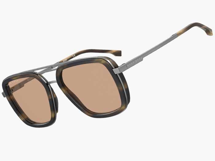 SAFILO präsentiert auch 2021 eine große Anzahl an Eyewear Kollektionen für unterschiedliche Zielgruppen und zeigt aktuelle Trends – wie mit demBOSS EYEWEAR Modell1235S.