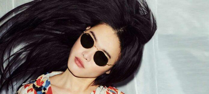 Luxottica bietet für 2021 rasante und nachhaltige Sonnenbrillen-Mode