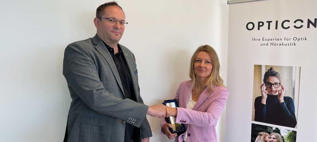 zudemwurde Antonia Lexer zur beliebtesten Aussendienstmitarbeiterin im Bereich Kontaktlinsen gewählt
